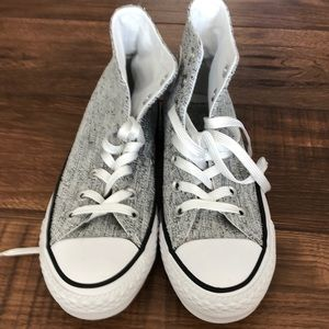 Converse silver grey never worn . Womens 5.5